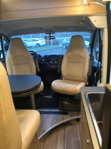 Wohnmobil_Innen_Sitzen